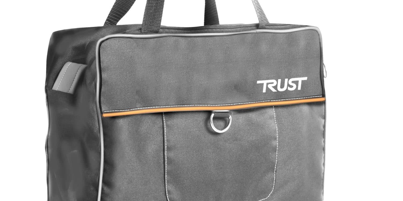 Svart väska med brun rand